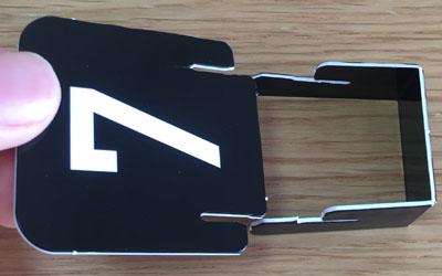 ドメモ カードをスタンドに差し込む