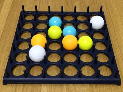 「バウンス・オフ!」4色のピンポン玉で4人プレイ②