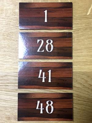キングドミノ:土地タイルの裏には1~48までの数字が書かれている