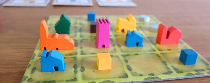 資源を使って街を作るボードゲーム|タイニータウン