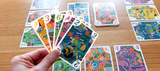 手札5枚から2枚、1枚、1枚と出していく|5211