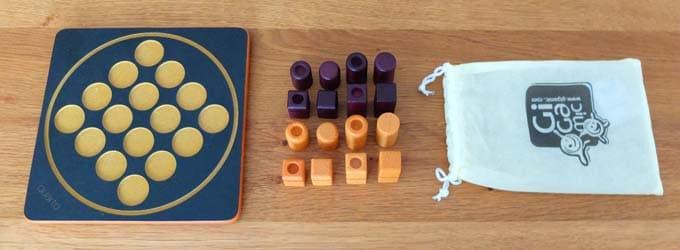 内容物|クアルト(Quarto)ボードゲーム