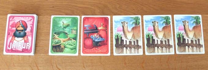 市場にカード5枚を並べる|ジャイプルのゲーム準備