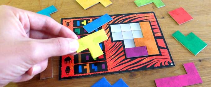 パズル枠にぴったりとはめることを目指す|ウボンゴ