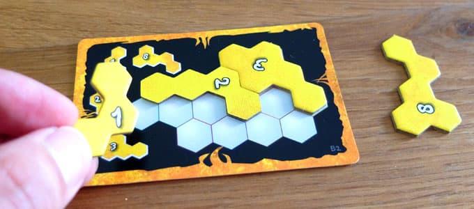 パズル枠をぴったりと埋める|ウボンゴミニ エクストリーム